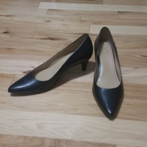 Naturalizer Black Leather Pointy Toe Pumps sz 11